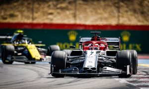Vasseur happy Alfa 'picked itself up' but urges team to 'stay calm'