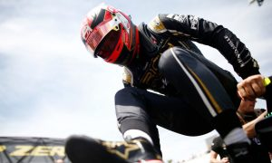 Magnussen hit with grid penalty after gearbox change
