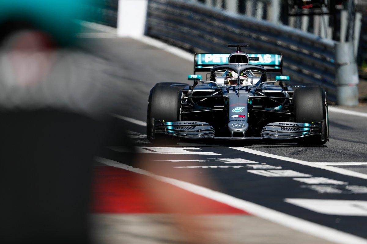 Mercedes' Bottas pins FP2 heavy crash on gust of wind