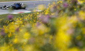 Hamilton edges Vettel in Austrian GP first practice