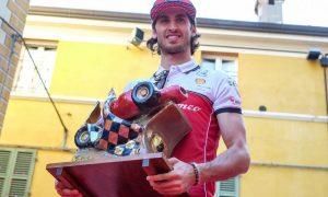 Giovinazzi collects prestigious Trofeo Bandini award