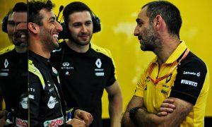 Renault form has 'ignited a pretty nice fire' - Ricciardo