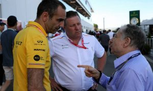 Renault's Abiteboul 'exasperated' by rivals' U-turn on Q2 tyre rule