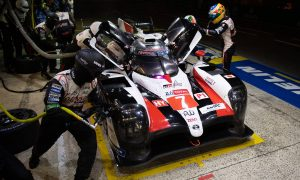 Toyota in control at Le Mans, Alonso running second