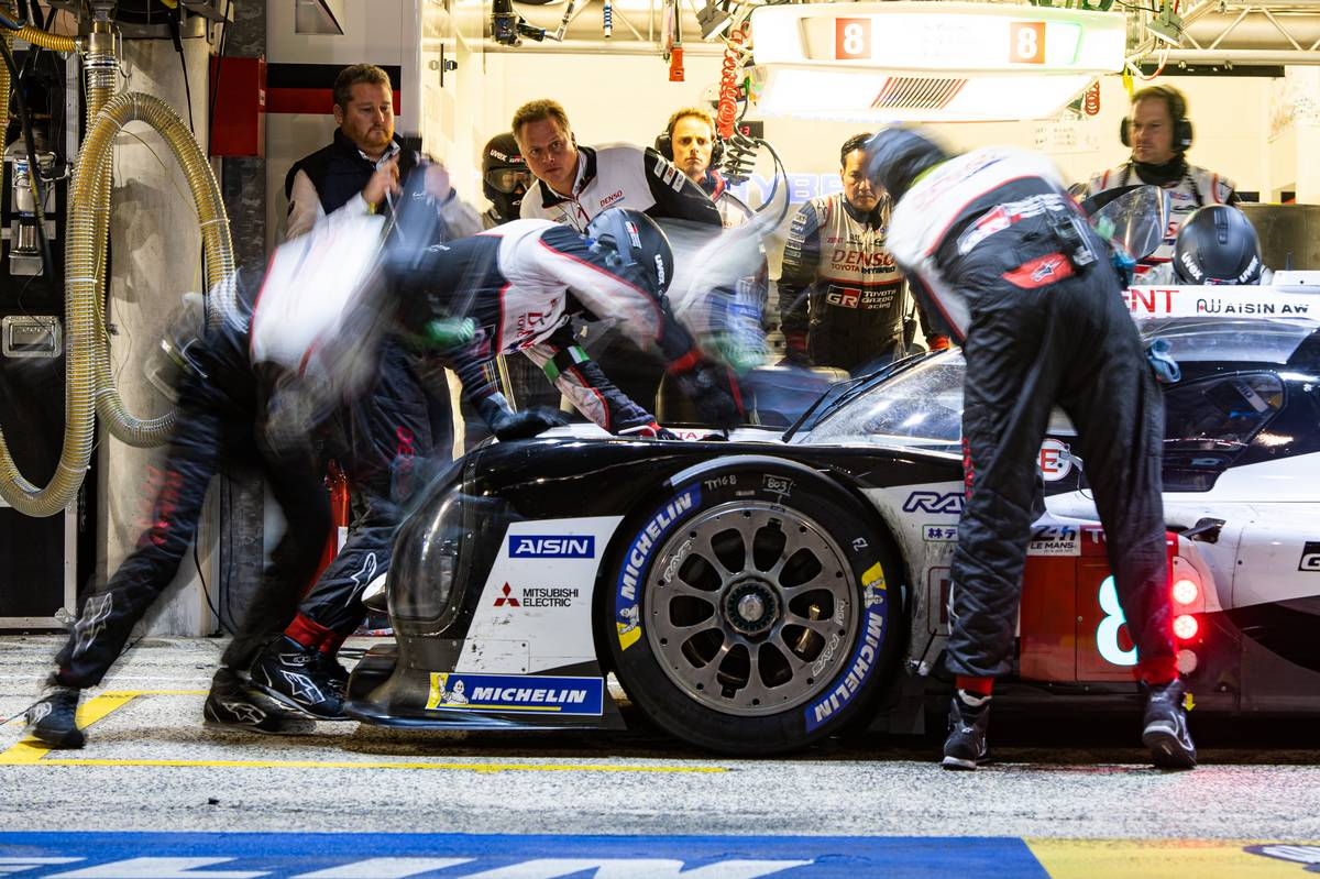 Sebastien Buemi (SUI) / Kazuki Nakajima (JPN) / Fernando Alonso (ESP) #08 Toyota Gazoo Racing Toyota TS050 Hybrid makes a pit stop.