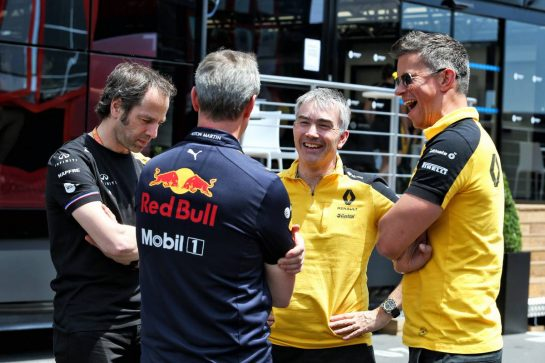 (L to R): Ciaron Pilbeam (GBR) Renault F1 Team Chief Race Engineer; jwg; Nick Chester (GBR) Renault F1 Team Chassis Technical Director; Marcin Budkowski (POL) Renault F1 Team Executive Director.