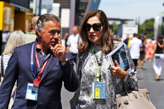 (L to R): Jean Alesi (FRA) with Slavica Ecclestone (CRO). 23.06.2019. Formula 1 World Championship, Rd 8, French Grand Prix, Paul Ricard, France, Race Day. - www.xpbimages.com, EMail: requests@xpbimages.com - copy of publication required for printed pictures. Every used picture is fee-liable. © Copyright: Moy / XPB Images