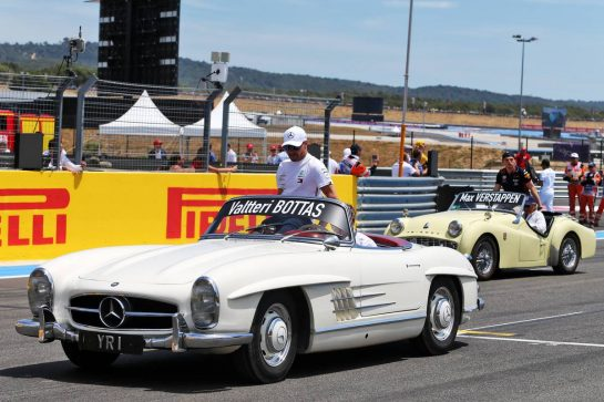 Valtteri Bottas (FIN) Mercedes AMG F1 on the drivers parade. 23.06.2019. Formula 1 World Championship, Rd 8, French Grand Prix, Paul Ricard, France, Race Day. - www.xpbimages.com, EMail: requests@xpbimages.com - copy of publication required for printed pictures. Every used picture is fee-liable. © Copyright: Moy / XPB Images