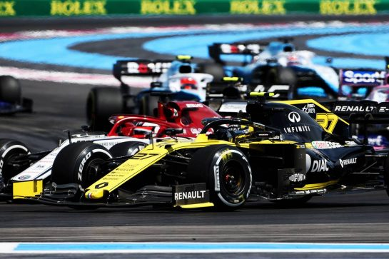 Nico Hulkenberg (GER) Renault F1 Team RS19 at the start of the race. 23.06.2019. Formula 1 World Championship, Rd 8, French Grand Prix, Paul Ricard, France, Race Day. - www.xpbimages.com, EMail: requests@xpbimages.com - copy of publication required for printed pictures. Every used picture is fee-liable. © Copyright: Charniaux / XPB Images