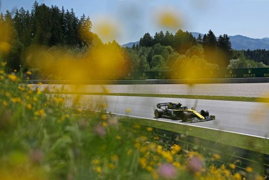 Nico Hulkenberg (GER), Renault Sport F1 Team 28.06.2019. Formula 1 World Championship, Rd 9, Austrian Grand Prix, Spielberg, Austria, Practice Day.- www.xpbimages.com, EMail: requests@xpbimages.com - copy of publication required for printed pictures. Every used picture is fee-liable. © Copyright: Charniaux / XPB Images