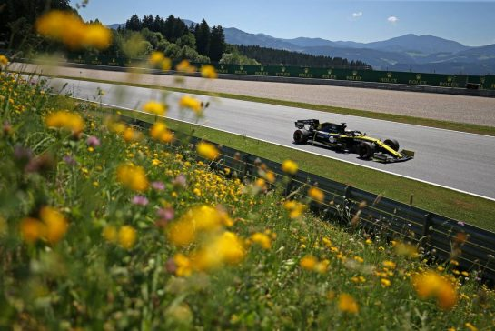 Daniel Ricciardo (AUS), Renault F1 Team 28.06.2019. Formula 1 World Championship, Rd 9, Austrian Grand Prix, Spielberg, Austria, Practice Day.- www.xpbimages.com, EMail: requests@xpbimages.com - copy of publication required for printed pictures. Every used picture is fee-liable. © Copyright: Charniaux / XPB Images