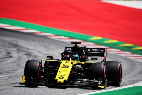 Daniel Ricciardo (AUS) Renault F1 Team RS19. 28.06.2019. Formula 1 World Championship, Rd 9, Austrian Grand Prix, Spielberg, Austria, Practice Day. - www.xpbimages.com, EMail: requests@xpbimages.com - copy of publication required for printed pictures. Every used picture is fee-liable. © Copyright: Photo4 / XPB Images