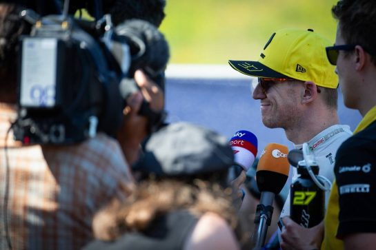 Nico Hulkenberg (GER) Renault F1 Team with the media.