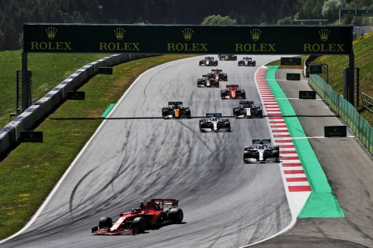 Charles Leclerc (MON) Ferrari SF90 leads at the start of the race. 30.06.2019 Formula 1 World Championship, Rd 9, Austrian Grand Prix, Spielberg, Austria, Race Day. - www.xpbimages.com, EMail: requests@xpbimages.com - copy of publication required for printed pictures. Every used picture is fee-liable. © Copyright: Moy / XPB Images