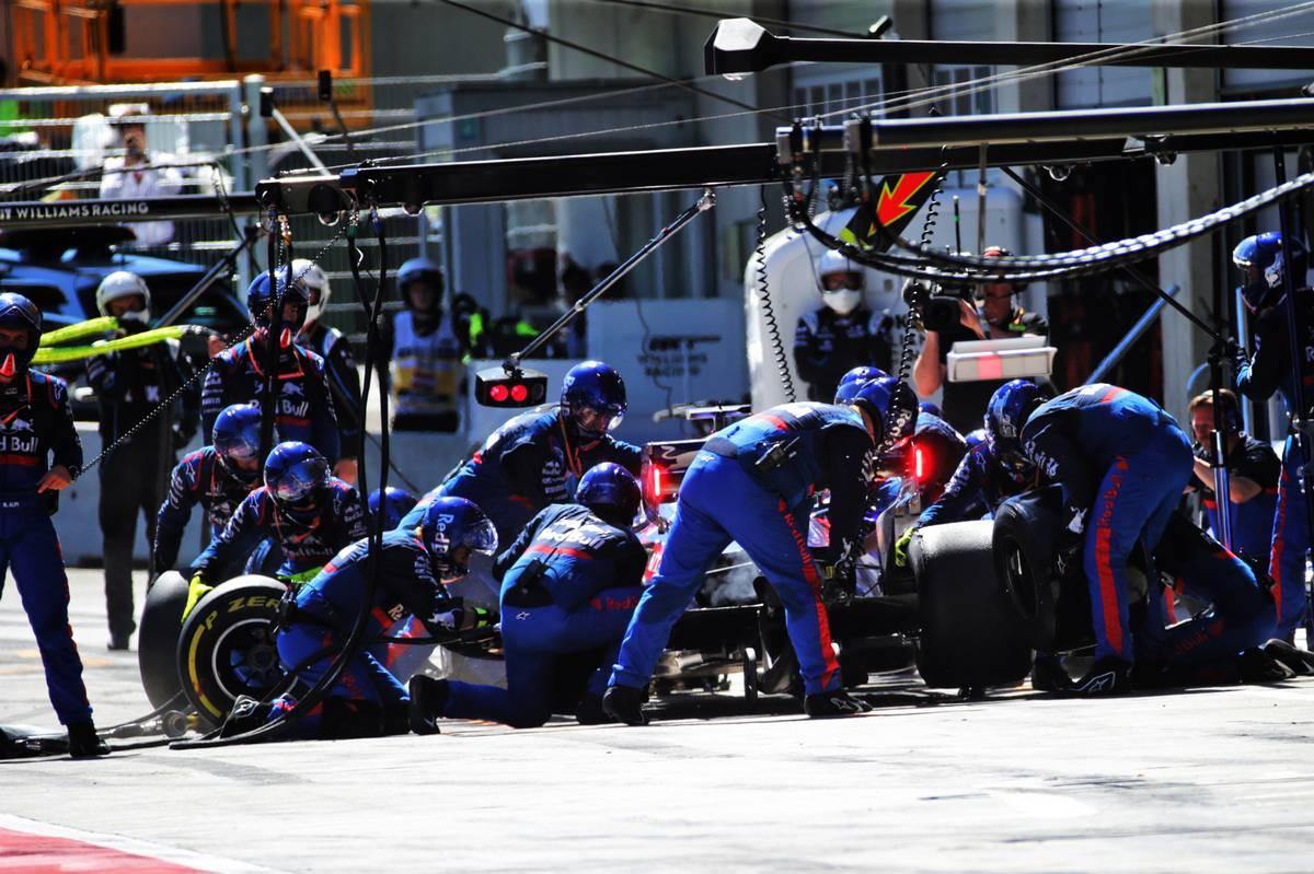Daniil Kvyat (RUS) Scuderia Toro Rosso STR14 makes a pit stop. 30.06.2019