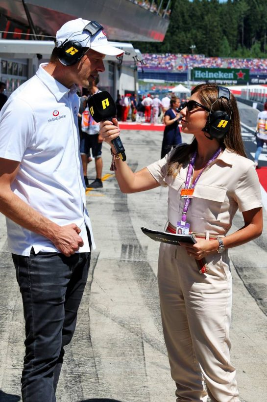 Sabine Sassine, TV Presenter, with Alex Wurz (AUT). 30.06.2019 Formula 1 World Championship, Rd 9, Austrian Grand Prix, Spielberg, Austria, Race Day. - www.xpbimages.com, EMail: requests@xpbimages.com - copy of publication required for printed pictures. Every used picture is fee-liable. © Copyright: Moy / XPB Images