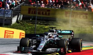 Mercedes forced into 'damage limitation' by overheating issues