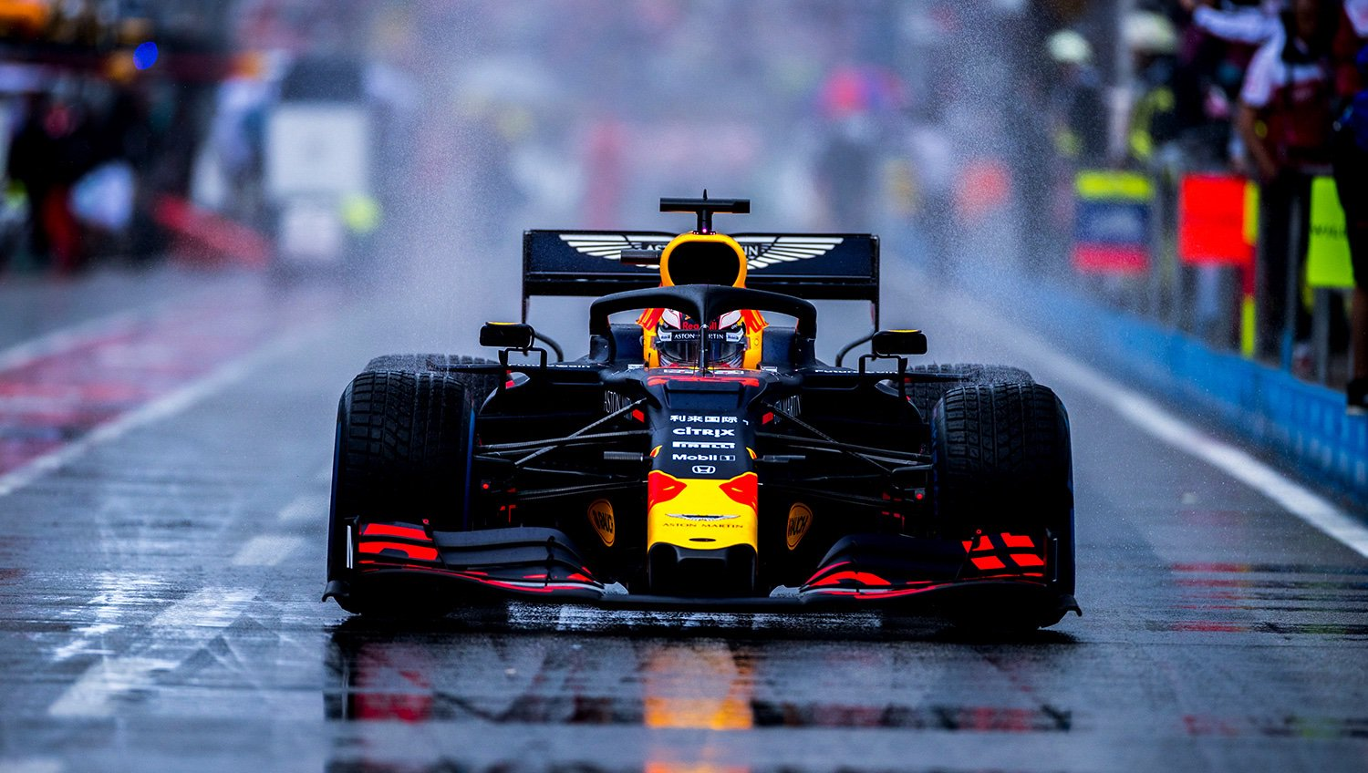 Red Bull sets another world record for fastest pit stop