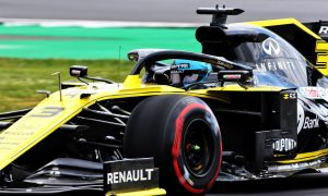 Renault form improved by return to 'conventional' settings - Ricciardo