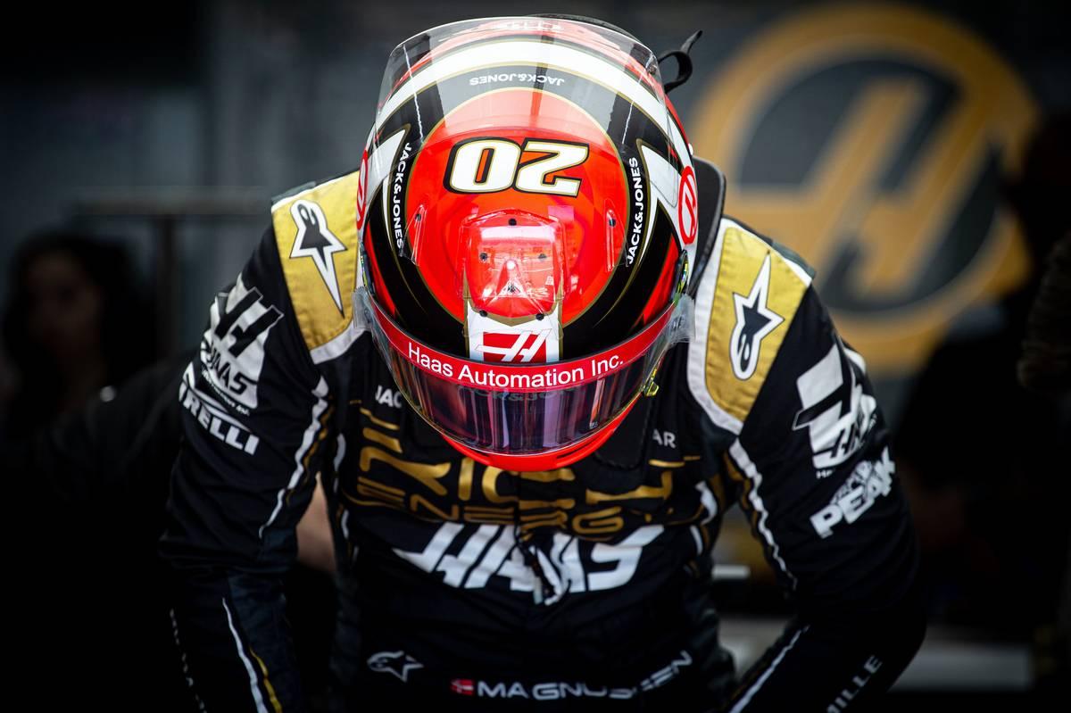 Kevin Magnussen (DEN) Haas VF-19.