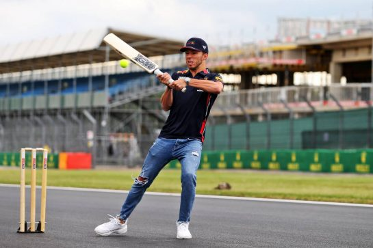 Pierre Gasly (FRA) Red Bull Racing plays cricket. 11.07.2019. Formula 1 World Championship, Rd 10, British Grand Prix, Silverstone, England, Preparation Day. - www.xpbimages.com, EMail: requests@xpbimages.com - copy of publication required for printed pictures. Every used picture is fee-liable. © Copyright: Moy / XPB Images