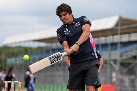 Lance Stroll (CDN) Racing Point F1 Team plays cricket. 11.07.2019. Formula 1 World Championship, Rd 10, British Grand Prix, Silverstone, England, Preparation Day. - www.xpbimages.com, EMail: requests@xpbimages.com - copy of publication required for printed pictures. Every used picture is fee-liable. © Copyright: Moy / XPB Images