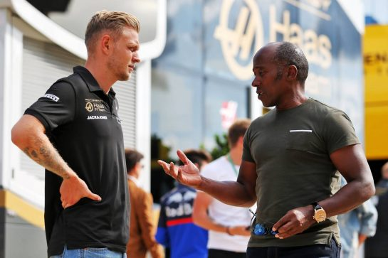 (L to R): Kevin Magnussen (DEN) Haas F1 Team with Anthony Hamilton (GBR).