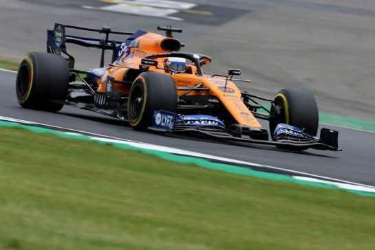 Carlos Sainz Jr (ESP), McLaren F1 Team 13.07.2019. Formula 1 World Championship, Rd 10, British Grand Prix, Silverstone, England, Qualifying Day.- www.xpbimages.com, EMail: requests@xpbimages.com - copy of publication required for printed pictures. Every used picture is fee-liable. © Copyright: Charniaux / XPB Images
