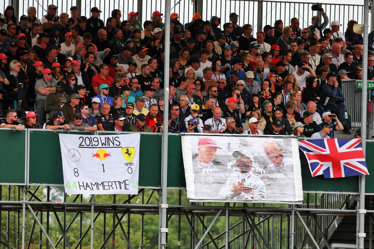 Circuit atmosphere - banners for Lewis Hamilton (GBR) Mercedes AMG F1.