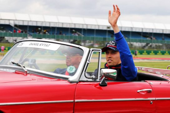 Daniil Kvyat (RUS) Scuderia Toro Rosso on the drivers parade.