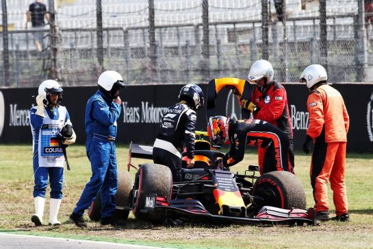 Pierre Gasly (FRA) Red Bull Racing RB15 crashed in the second practice session. 26.07.2019. Formula 1 World Championship, Rd 11, German Grand Prix, Hockenheim, Germany, Practice Day. - www.xpbimages.com, EMail: requests@xpbimages.com - copy of publication required for printed pictures. Every used picture is fee-liable. © Copyright: Batchelor / XPB Images