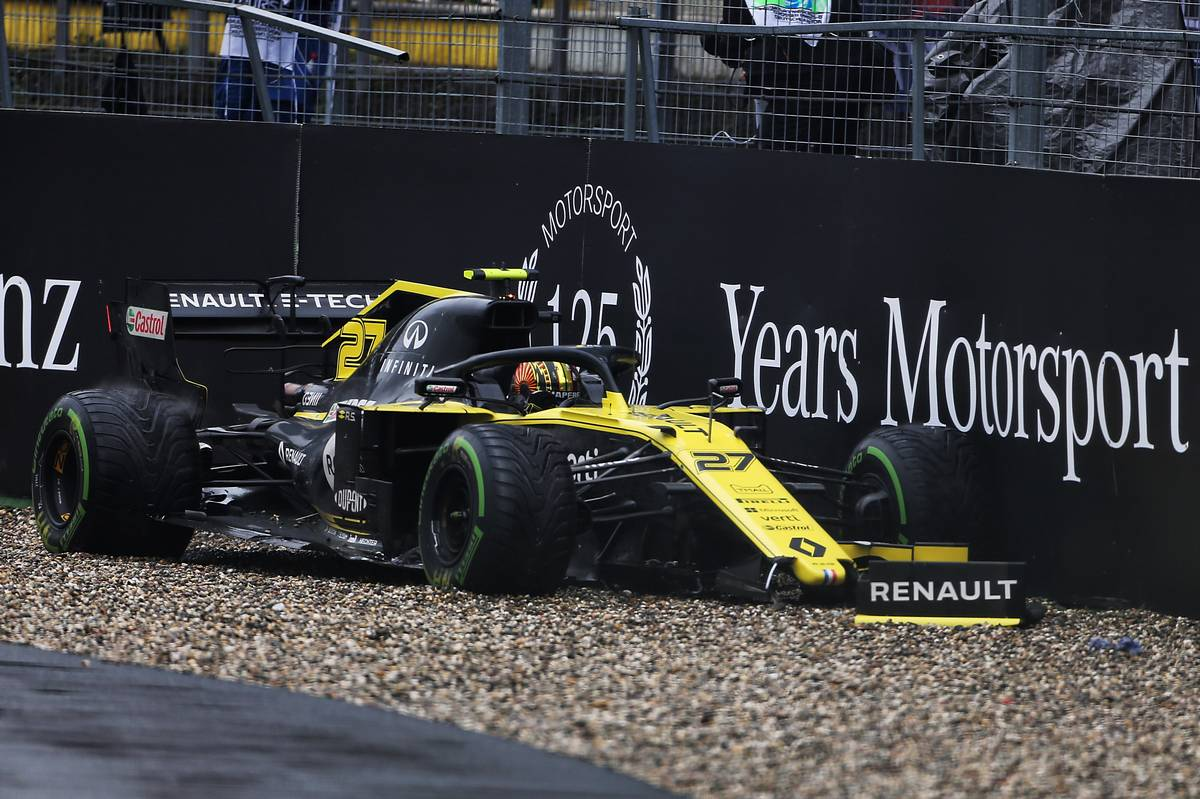 Nico Hulkenberg (GER) Renault F1 Team RS19 retired from the race.