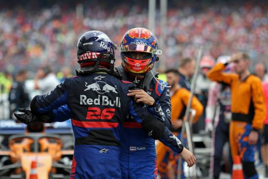 Daniil Kvyat (RUS), Scuderia Toro Rosso and Alexander Albon (THA), Scuderia Toro Rosso 28.07.2019. Formula 1 World Championship, Rd 11, German Grand Prix, Hockenheim, Germany, Race Day.- www.xpbimages.com, EMail: requests@xpbimages.com - copy of publication required for printed pictures. Every used picture is fee-liable. © Copyright: Charniaux / XPB Images