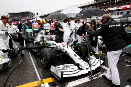 Lewis Hamilton (GBR) Mercedes AMG F1 W10 on the grid. 28.07.2019. Formula 1 World Championship, Rd 11, German Grand Prix, Hockenheim, Germany, Race Day. - www.xpbimages.com, EMail: requests@xpbimages.com - copy of publication required for printed pictures. Every used picture is fee-liable. © Copyright: Photo4 / XPB Images