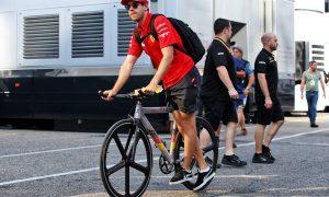 Garbage-sensitive Vettel tells journos to clean up!