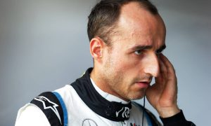 Lack of grip leaves Kubica trailing teammate by big margin