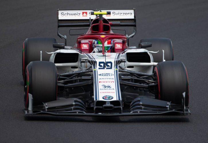 Antonio Giovinazzi (ITA) Alfa Romeo Racing C38.