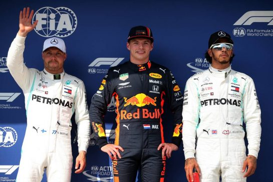 Qualifying top three in parc ferme (L to R): Valtteri Bottas (FIN) Mercedes AMG F1, second; Max Verstappen (NLD) Red Bull Racing, pole position; Lewis Hamilton (GBR) Mercedes AMG F1, third.