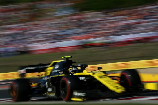 Nico Hulkenberg (GER) Renault Sport F1 Team RS19.