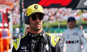 Ricciardo calls for 'more self belief' at Renault
