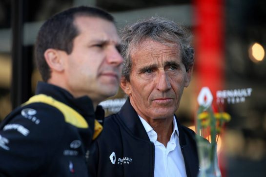 Alain Prost (FRA) Renault F1 Team Special Advisor and Remi Taffin (FRA) Renault Sport F1 Engine Technical Director.