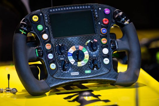 Renault F1 Team RS19 steering wheel. 31.08.2019. Formula 1 World Championship, Rd 13, Belgian Grand Prix, Spa Francorchamps, Belgium, Qualifying Day. - www.xpbimages.com, EMail: requests@xpbimages.com - copy of publication required for printed pictures. Every used picture is fee-liable. © Copyright: Price / XPB Images