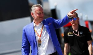 Commercial boss Sean Bratches to relinquish role with F1