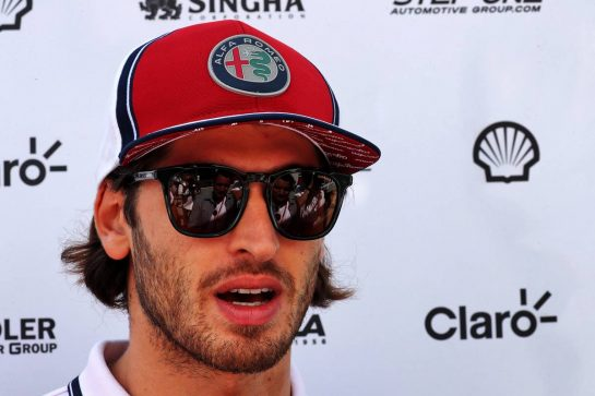 Antonio Giovinazzi (ITA) Alfa Romeo Racing.