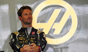Grosjean not keen on giving up seat to Kubica for FP1
