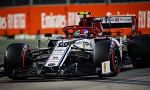 Giovinazzi hit with 10-second penalty for crane incident
