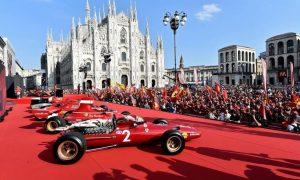 Scuderia Ferrari paints the Piazza Duomo red!