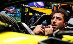 Angry Ricciardo felt 'disgraced' by Singapore stewards