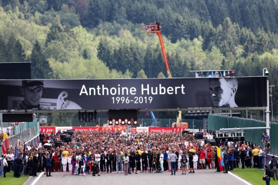 The grid pays tribute to Anthoine Hubert.