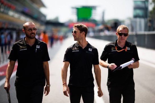 Romain Grosjean (FRA) Haas F1 Team walks the circuit with the team. 05.09.2019. Formula 1 World Championship, Rd 14, Italian Grand Prix, Monza, Italy, Preparation Day.  - www.xpbimages.com, EMail: requests@xpbimages.com - copy of publication required for printed pictures. Every used picture is fee-liable. © Copyright: Filipe / XPB Images